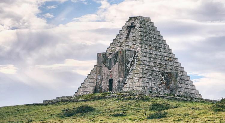Piramide Italianos Lugares Abandonados Cantabria Abandoned Spain España Urbex
