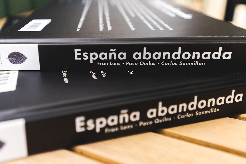 Lateral del libro España Abandonada